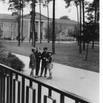 1973 Ortschronik, Blick auf die Alte Schule (1955?), Foto: Museum Treptow-Köpenick